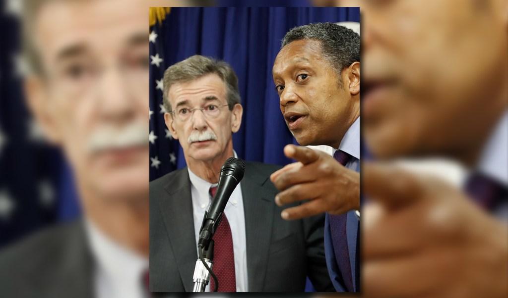 Brian Frosh, fiscal general de Maryland, y Karl Racine, fiscal general del Distrito de Columbia