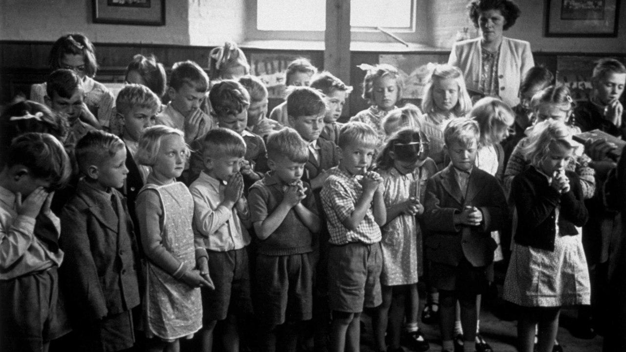 Educación no enseña creacionismo según Biblia ciencia