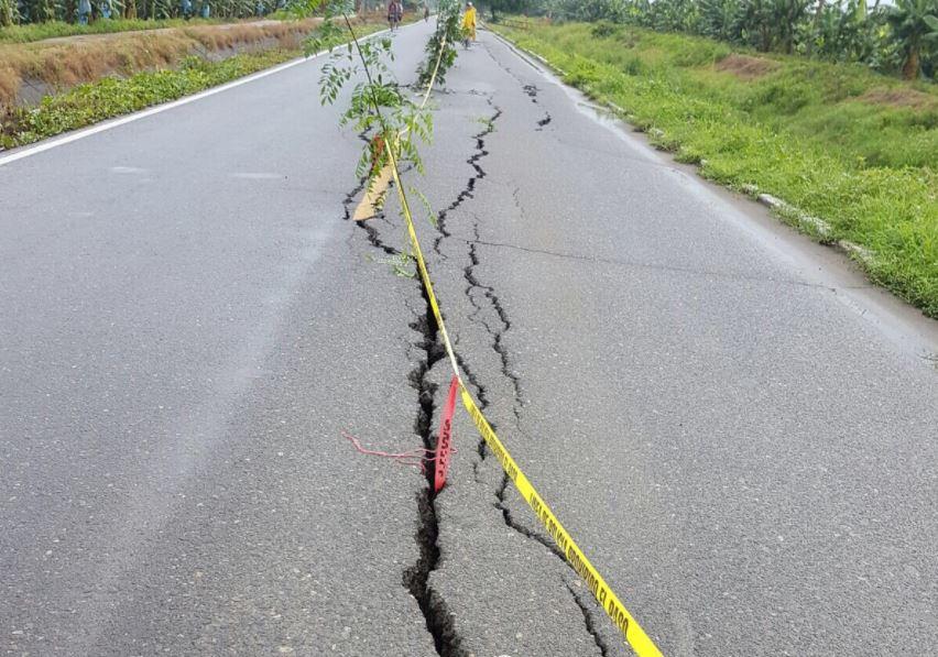 Grieta en carretera de Chiapas tras sismo