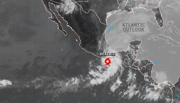 Imagen satelital de la tormenta tropical Beatriz, al sur de México