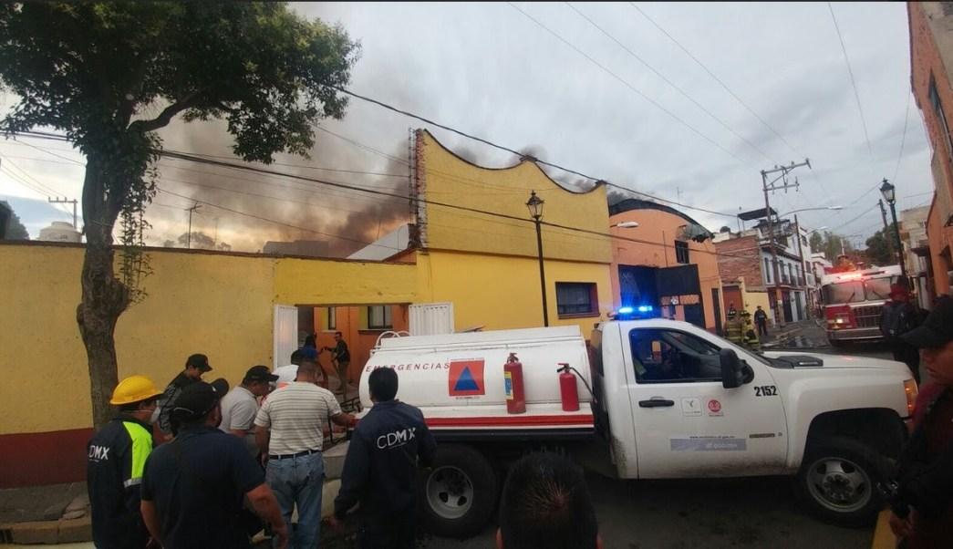 Incendio en Xochimilco, Bomberos, Bodega, Ciudad de Mexico, Xochimilco,
