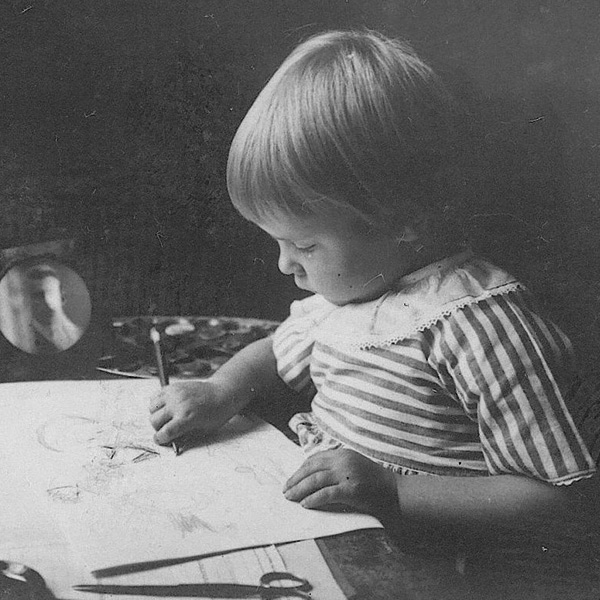Tove Jansson, niña, Moomin, Mumin, dibujando