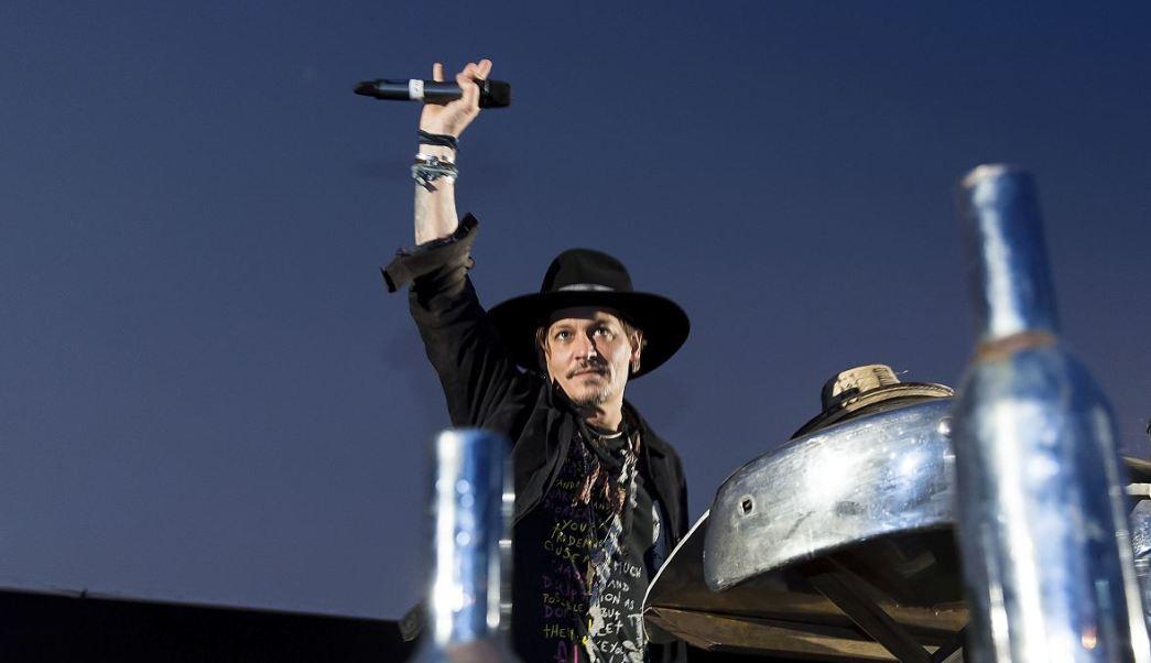 Johnny Depp en el Festival de Glastonbury, Reino Unido