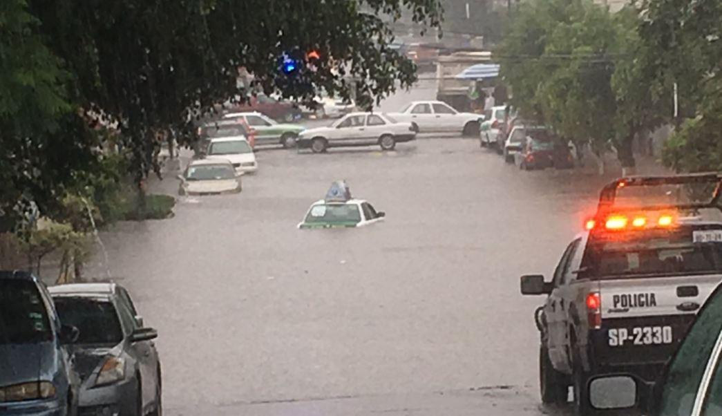 Avenida de xalapa esta afectada por las lluvias
