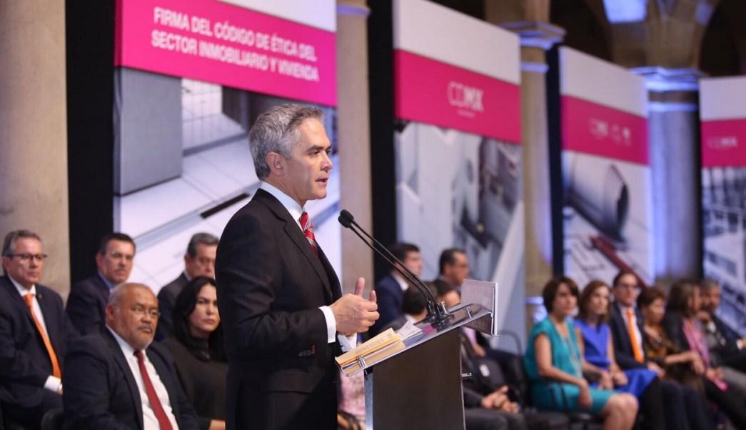 Miguel Ángel Mancera, Firma de convenio, Ciudad de México, Política