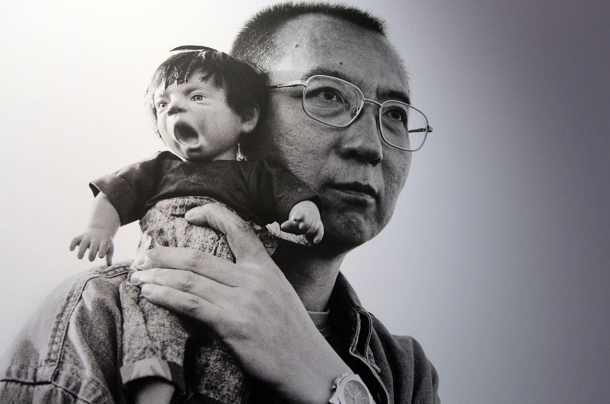 Liberan al Nobel de la Paz chino Liu Xiaobo por razones médicas