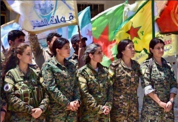 Mujeres kurdas participan en operacion militar en raqa