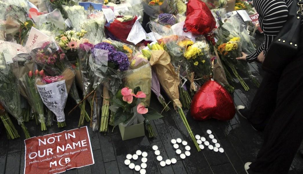Ofrenda a víctimas del atentado en London Bridge