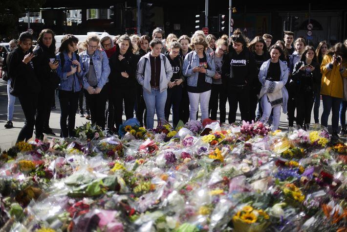 Liberan a 12 detenidos por ataque en Londres