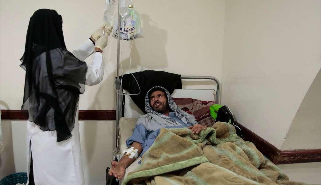 Paciente hospitalizado en Yemen por epidemia de cólera