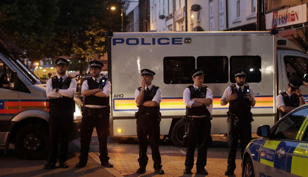 Ataque, Mezquita, Londres, Muerto, Hospitalizados, Policía, Fieles, Musulmanes, Atentado