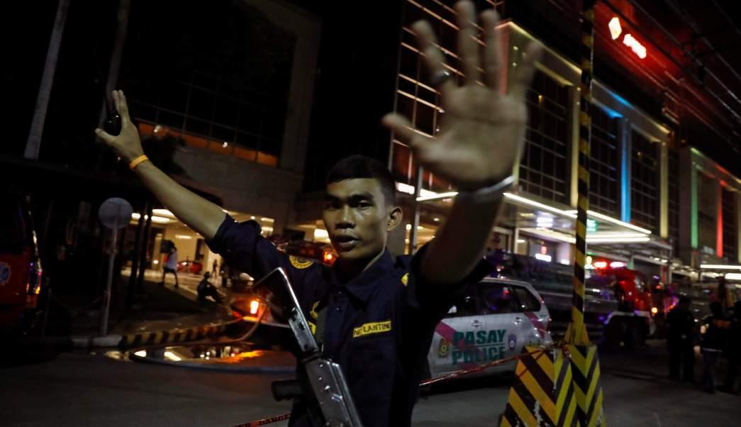 Filipinas, hotel, terrorismo, seguridad, armas, hombre,