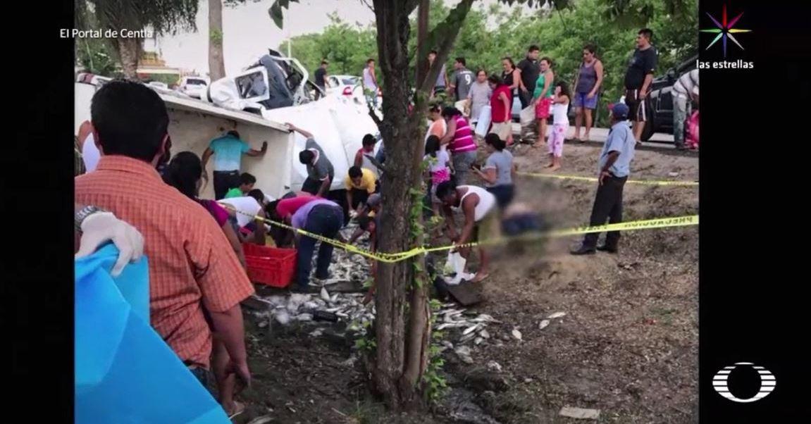 noticias, televisa, Saquean camión, Tabasco, cuerpo dentro, chofer murió