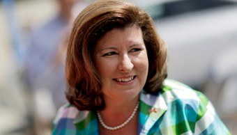 Trump pide votar por Karen Handel para el Congreso de EU