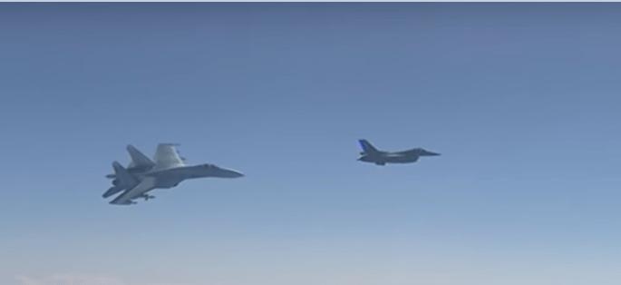Un jet de combate de la OTAN sobrevuela cerca del avión de ministro ruso