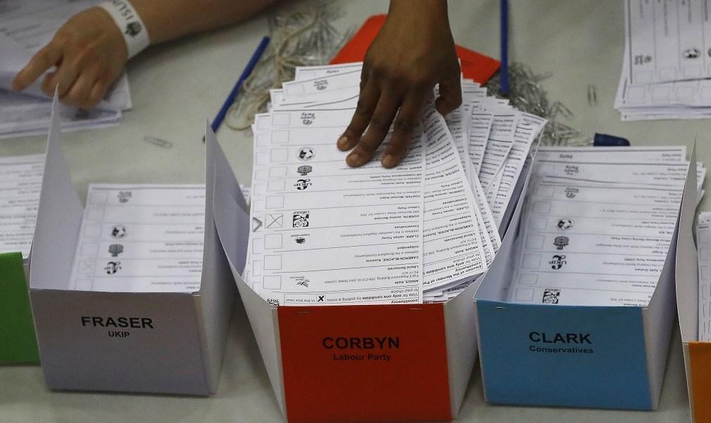 Elecciones, Reino Unido, Partido Laborista, escaños, Theresa May, política,