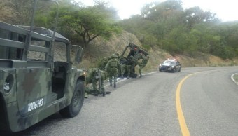 Vuelca, vehiculo militar, Oaxaca, Lesionados, Accidente vial