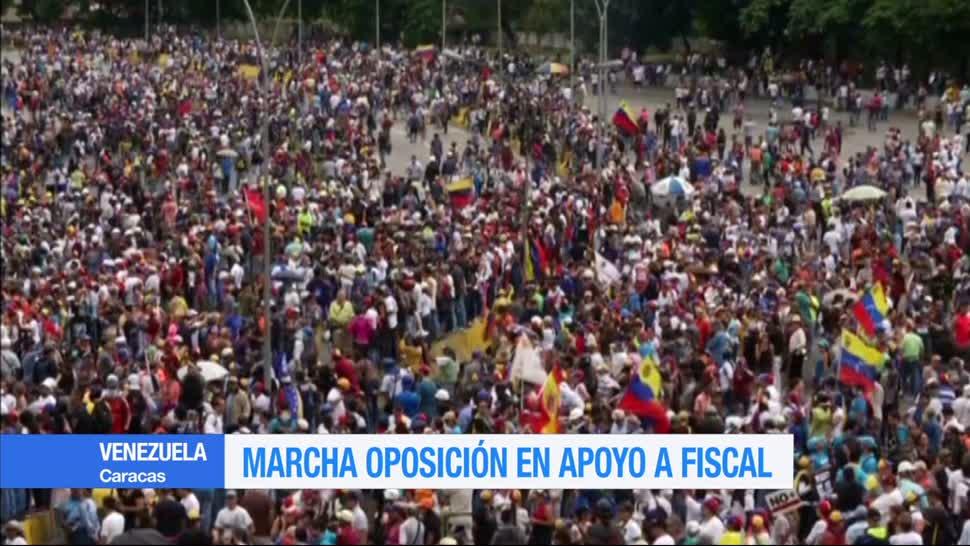 Opositores, Venezuela, fiscal de Venezuela, El pueblo en la calle