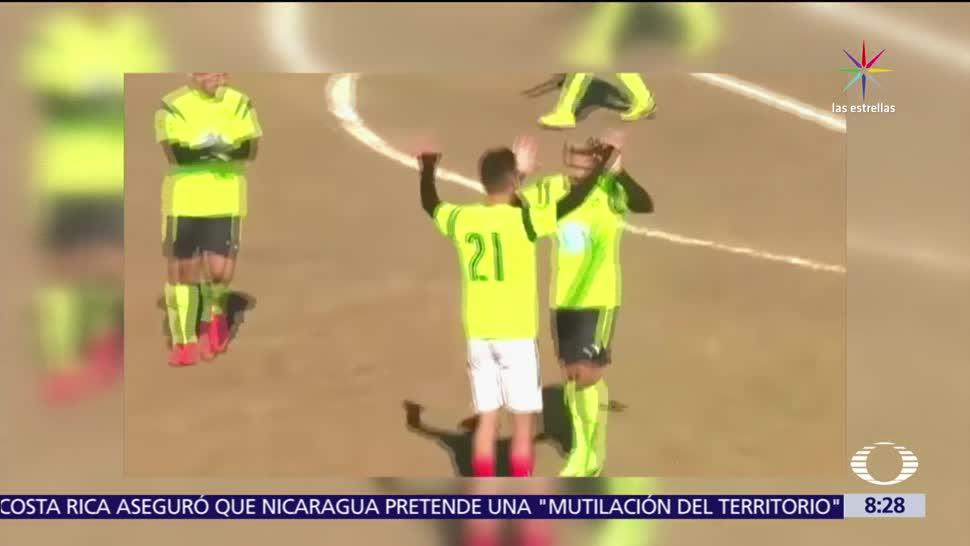 futbolista Paulo Dybala, Laguna Larga, Córdoba, Argentina, 10 porteros