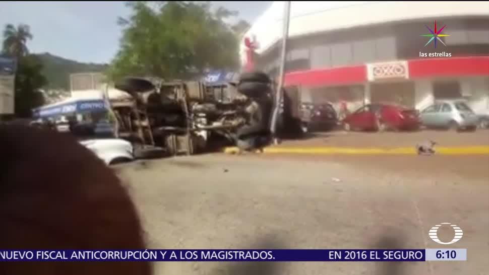 conductor, camión de volteo, Carretera Escénica, Acapulco, base naval