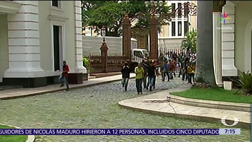 heridos, diputados, ataque de seguidores, Nicolás Maduro, Parlamento venezolano