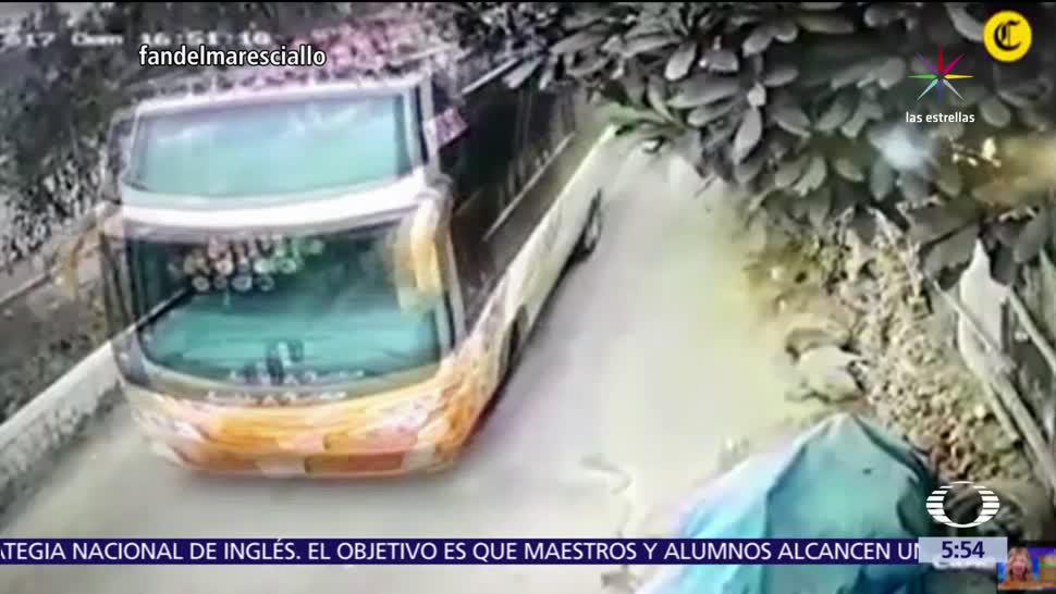 cámara de seguridad, autobús, turismo, 9 fallecieron