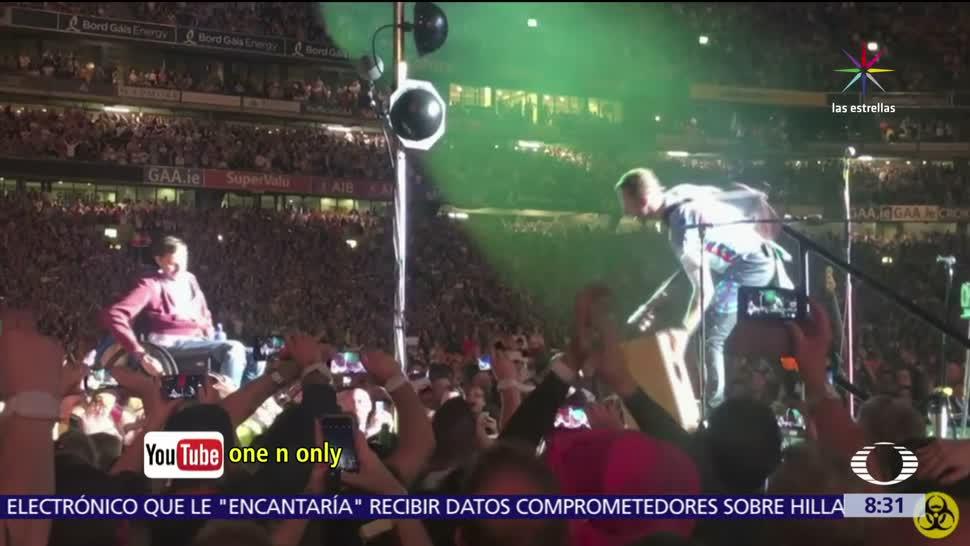 noticias, televisa, Joven, silla de ruedas, llega al escenario, concierto de Coldplay
