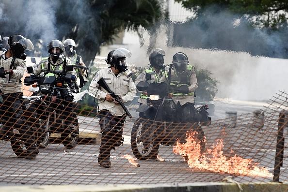 Policía Nacional Bolivariana, manifestantes, opositores, Base Aérea de La Carlota,, Venezuela
