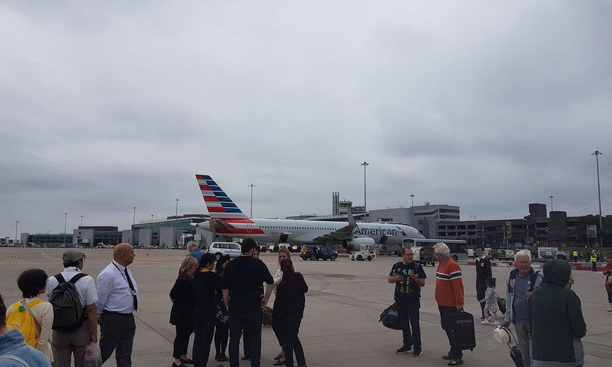 Aeropuerto, Manchester, Inglaterra, seguridad, desalojo, sospechoso, policía