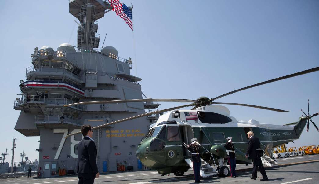 Donald Trump, Marine One, USS Gerald R. Ford, Norfolk, Virginia
