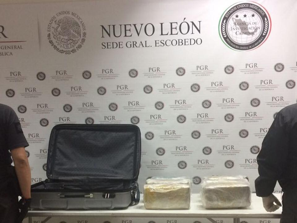 Aseguran Marihuana Maleta Nl Seguridad, Narcotrafico