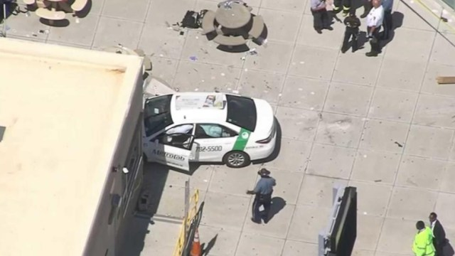 Vehículo involucrado en incidente en Boston, Massachusetts (Twitter:@ErikRosalesCBN)