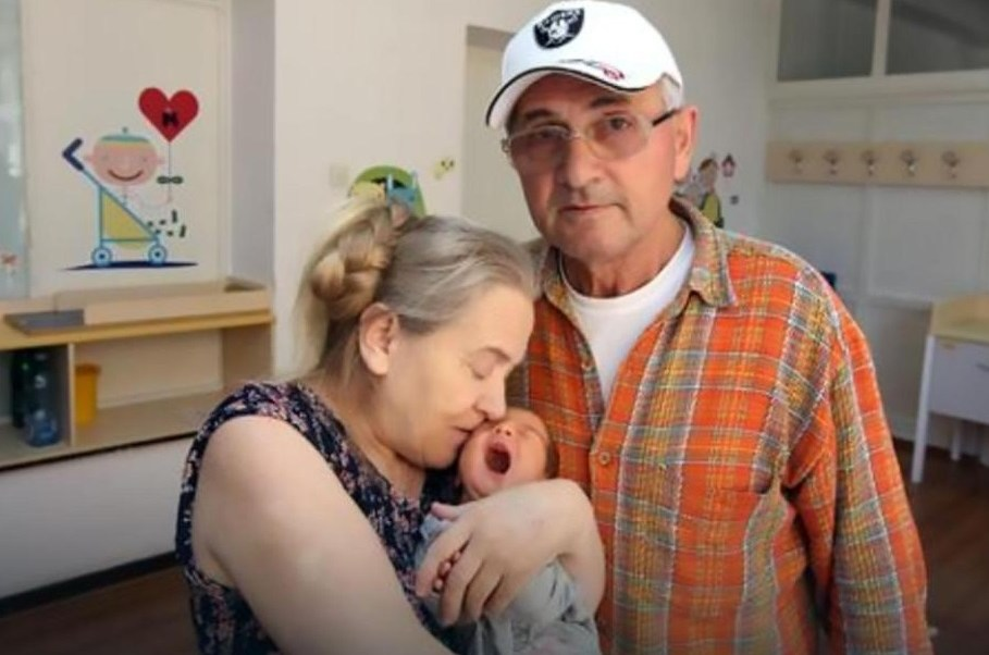 Serif Nokic dejó a su esposa después de escuchar los gritos de la recién nacida (Foto: Dailymail)