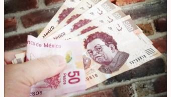 Billetes mexicanos de 500 y 50 pesos
