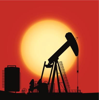 Bomba de crudo en campo produccion petrolero