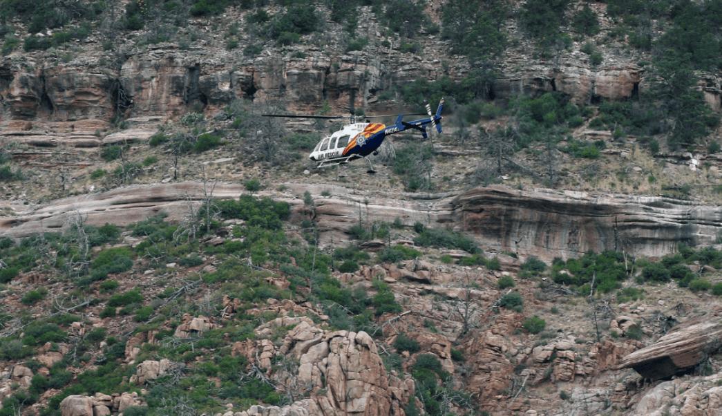 Buscan a desaparecidos tras tormenta e inundación en Arizona
