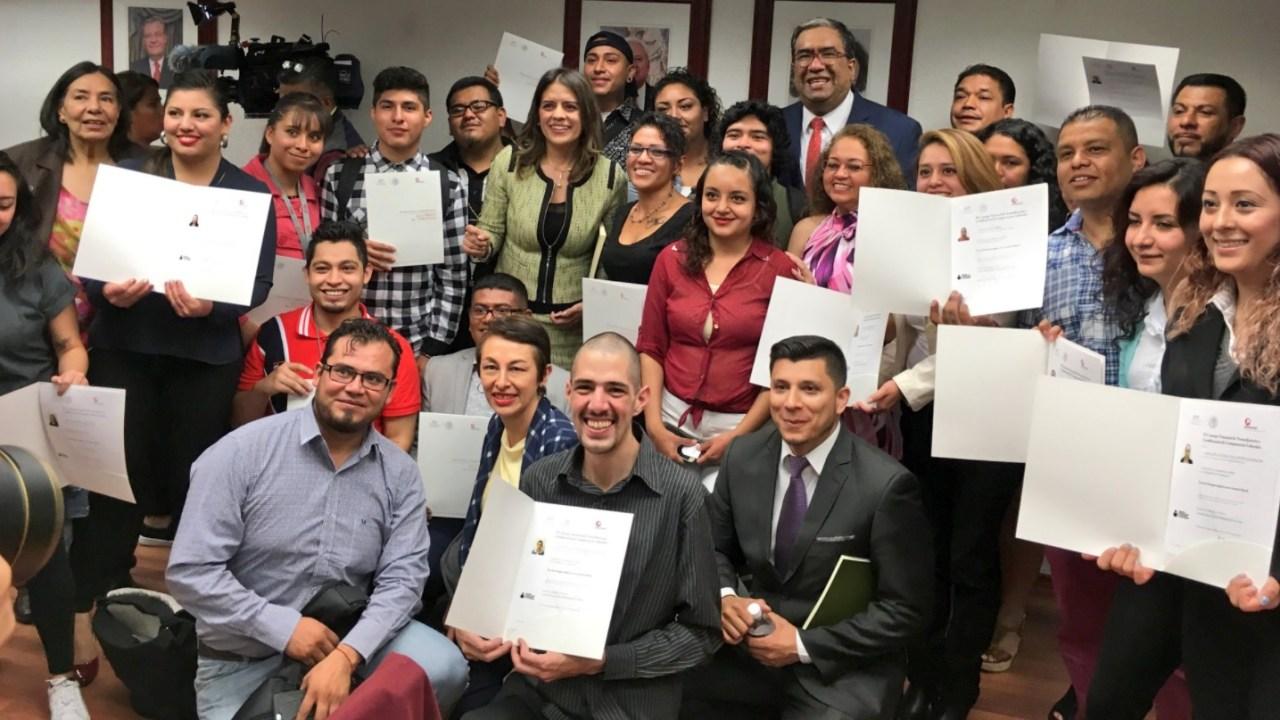 INEA entrega certificados uso inglés repatriados