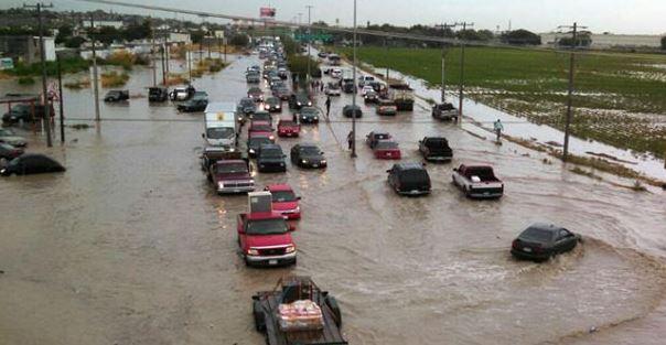 Ciudad Juarez, Lluvias, Intensas, Chihuahua, Inundaciones, Vehiculos, Bajo El Agua