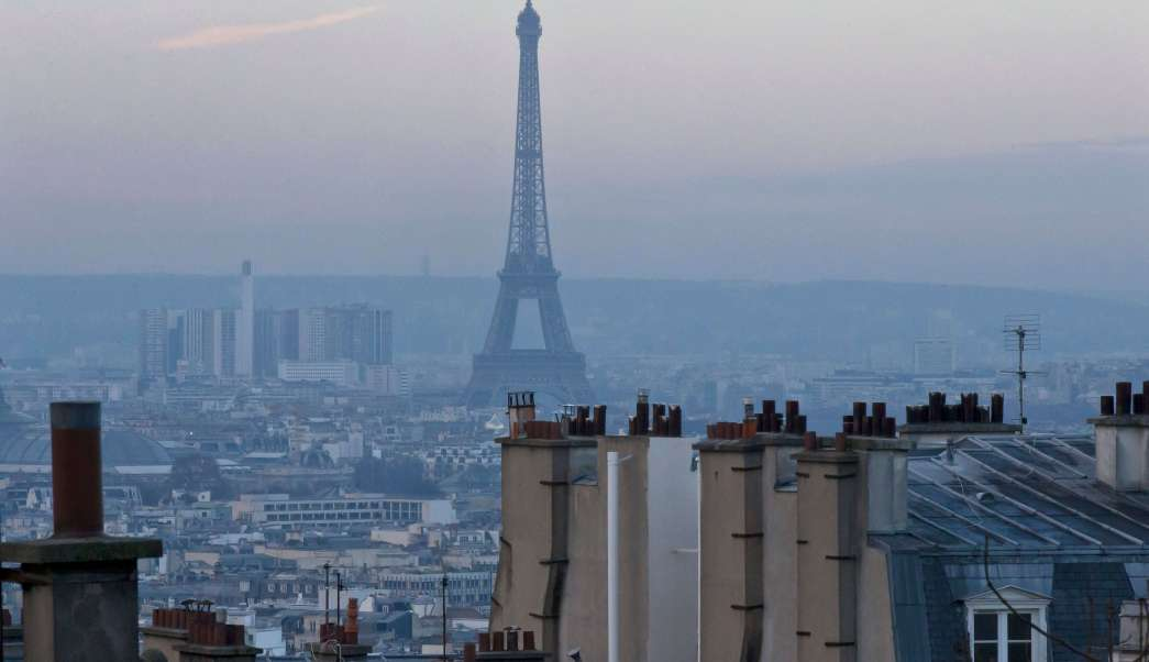 Vista panorámica de París que permite ver la contaminación