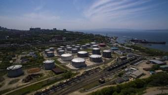 Depósitos de crudo en Vladivostok, Rusia