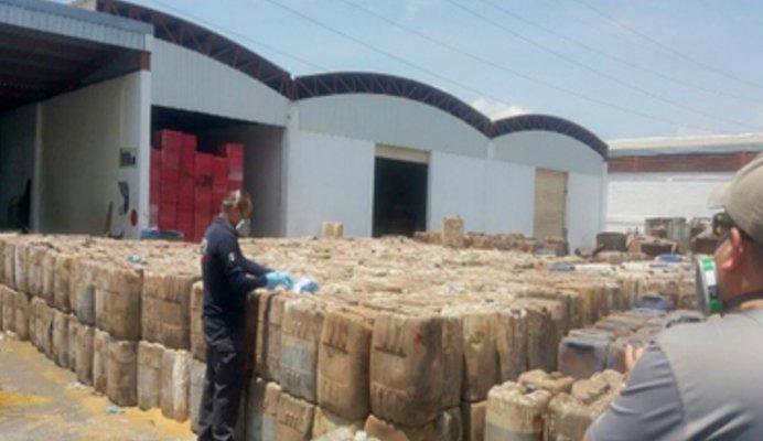 Destruye PGR más de 217 toneladas de sustancias y precursores químicos en Sinaloa