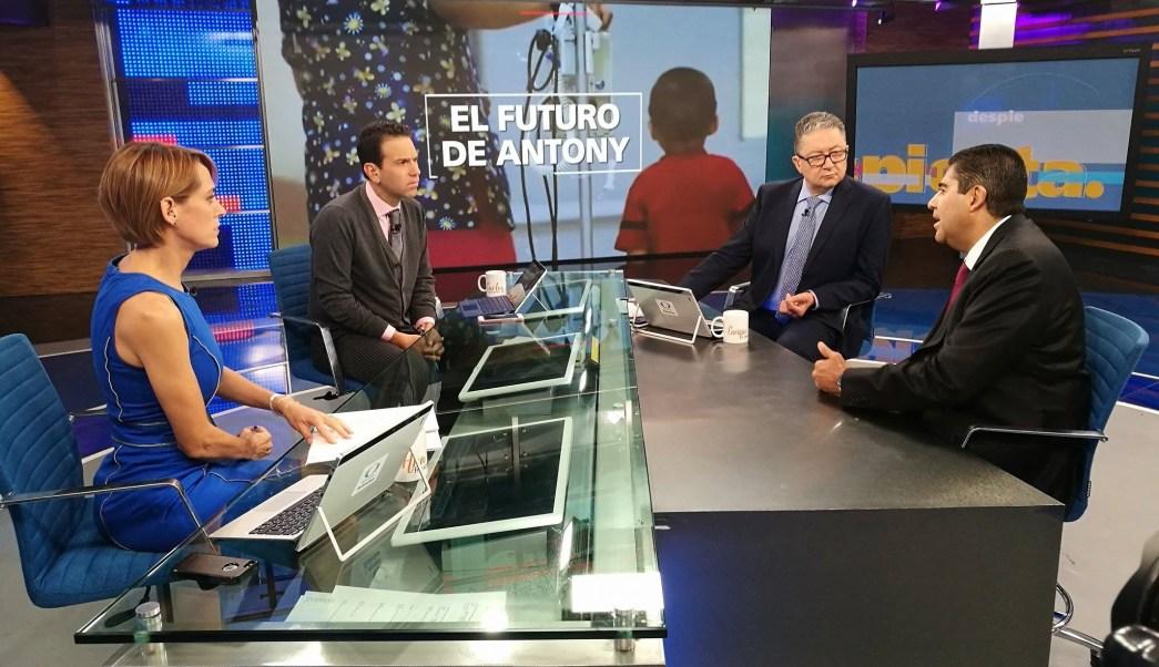 Edmundo Garrido en la mesa de Despierta con Loret