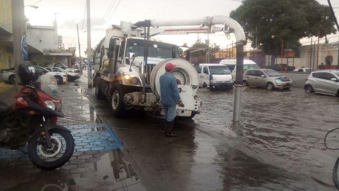 Despliegan operativo por anegaciones en V. de Toluca