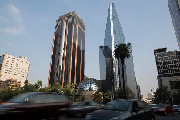 Fachada de la Bolsa Mexicana de Valores en Ciudad de México