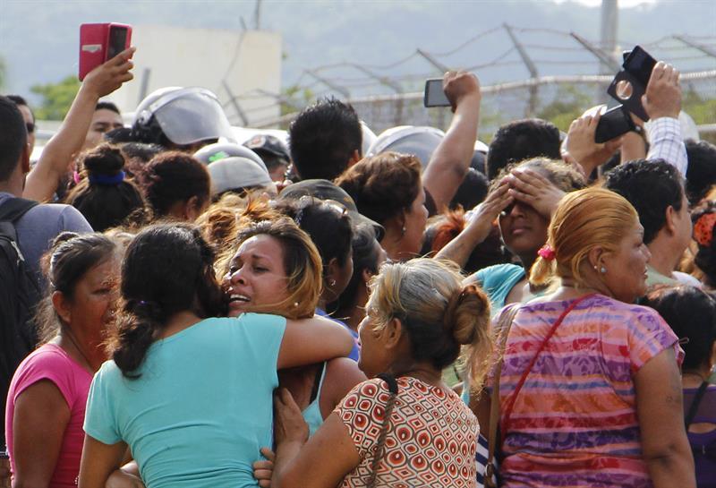 Penal, Acapulco, Guerrero, Las Cruces, riña, seguridad, 28 muertos