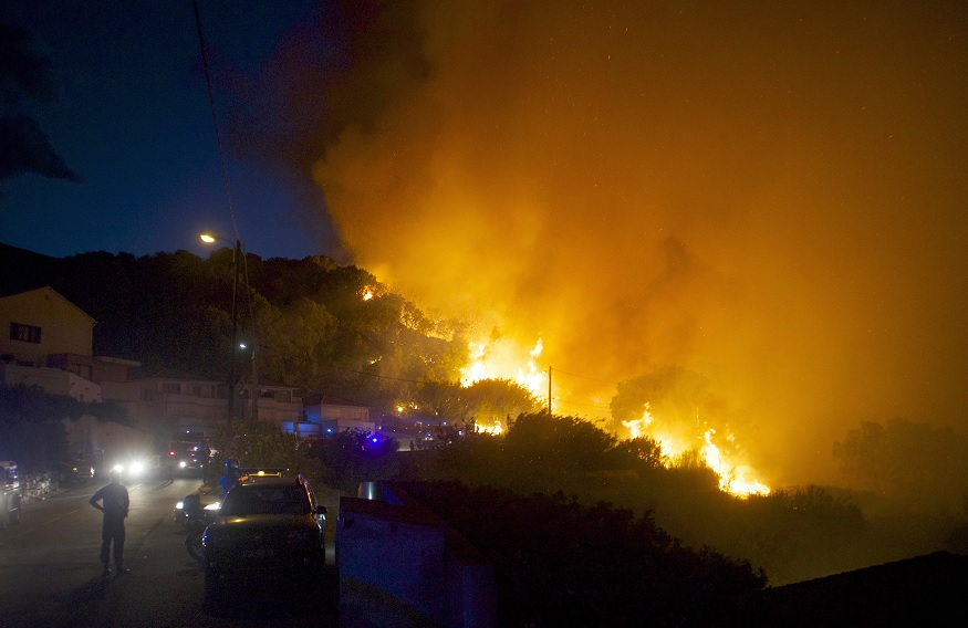 Ejercito franceses, Bomberos, Incendio Forestal, Corcega