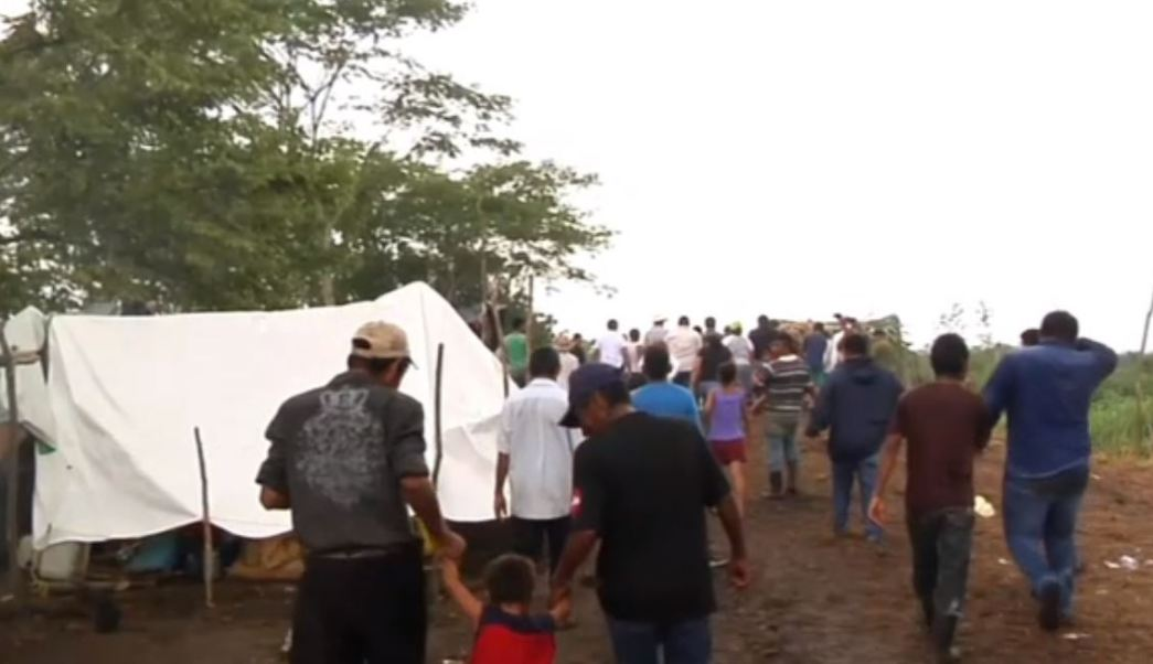 Guatemaltecos desplazados instalan un campamento en Campeche