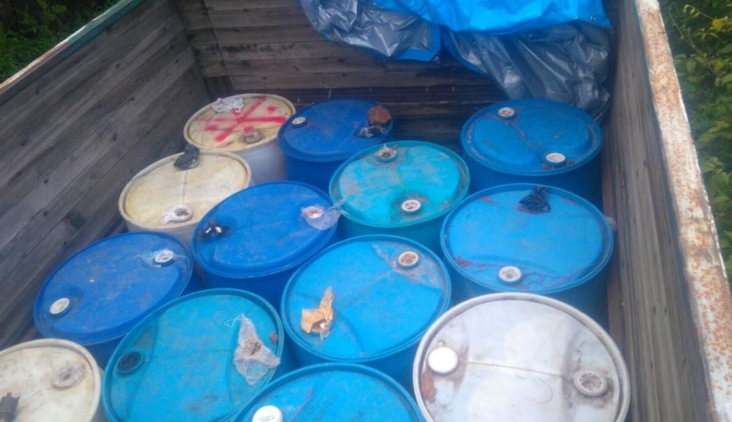 Aseguran camioneta con combustible robado en Morelos. (Twitter @Metropoli_Noti)