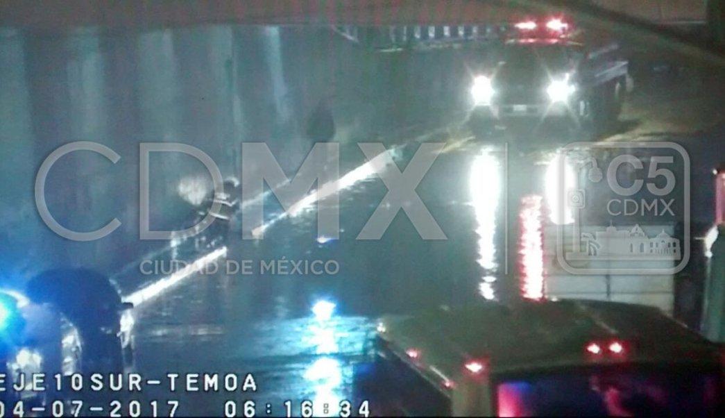 Inundación en bajo puente de la México Puebla