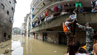Inundaciones en China dejan al menos 33 muertos